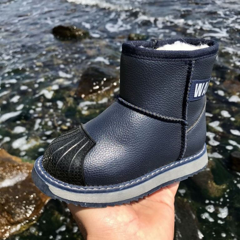 Uggs for boys & girls: A5187, sizes 23-28 (A) | Jong•Golf